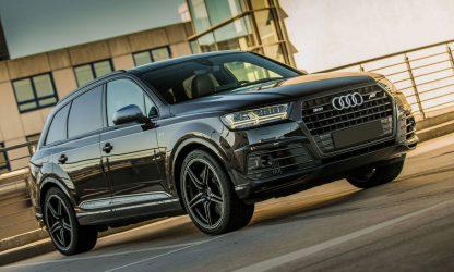 Audi SQ7 à louer dans notre agence de location de véhicule de luxe dans le Calvados