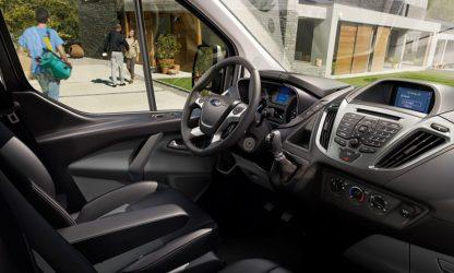 Location voiture Calvados - Ford Transit Custom - intérieur et tableau de bord